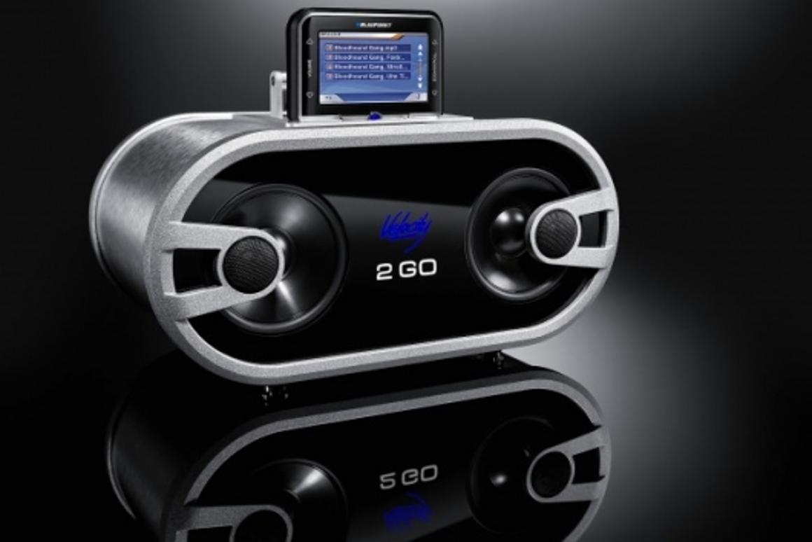Blaupunkt Velocity 2Go: portable speaker system AND car