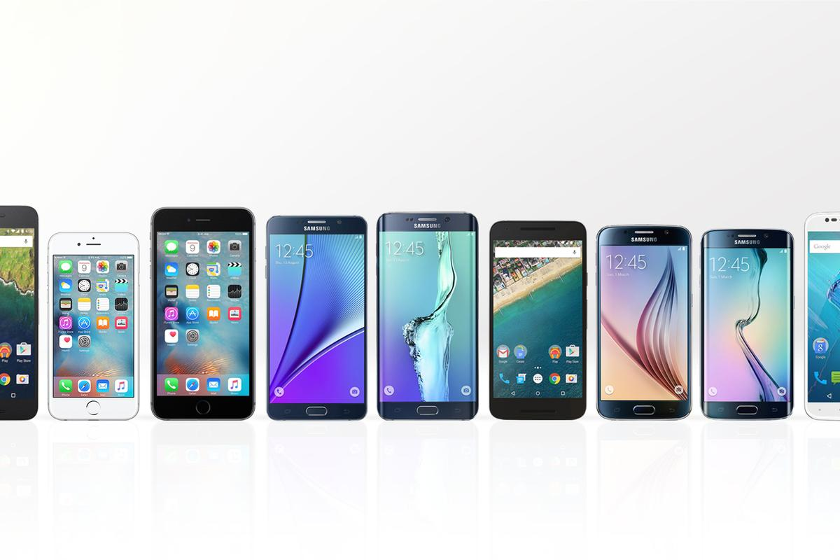Gizmag lines up and breaks down the features and specs of the best smartphones of 2015