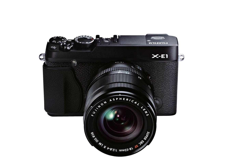 The X-E1 benefits from a 16.3-megapixel APS-C X-Trans CMOS sensor, which uses a unique color filter array to minimize moiré and false colors