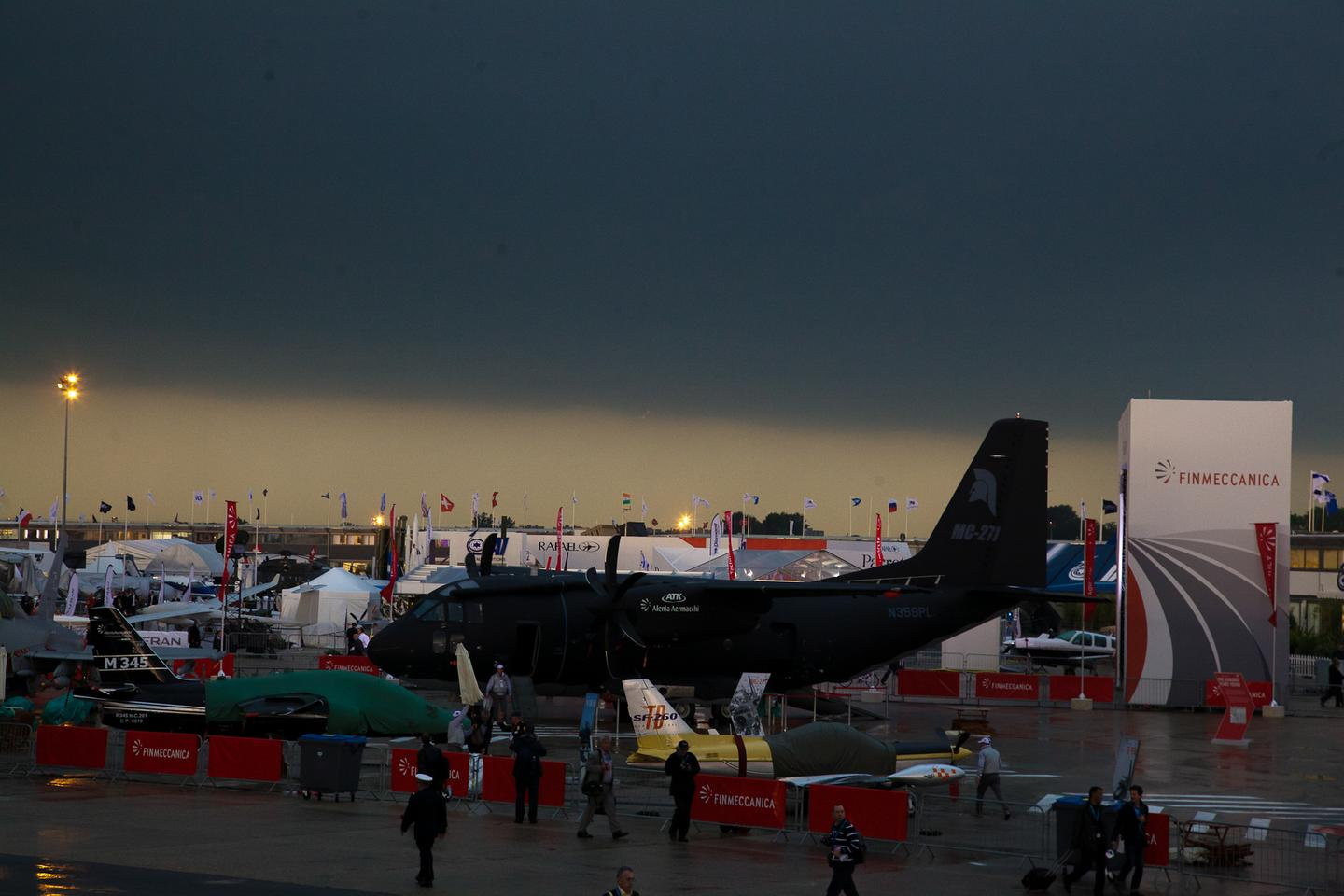 Things looked grim at 11 am on the opening day of the 2013 Paris Air Show, but thankfully the sunshine reappeared (Photo: Noel McKeegan/Gizmag)