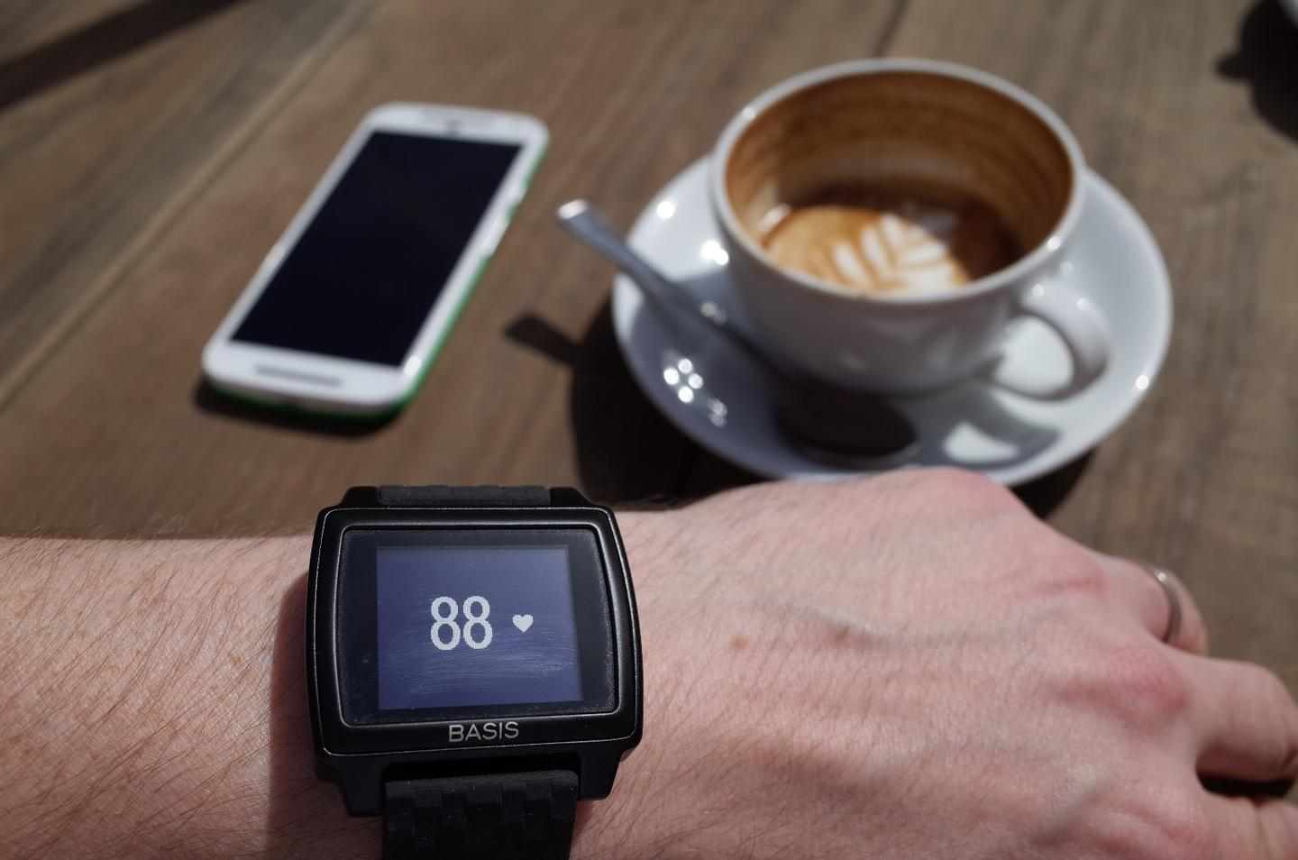 The screen of the Basis Peak fitness tracker is easy to see even in bright sunlight (Photo: Simon Crisp/Gizmag.com)