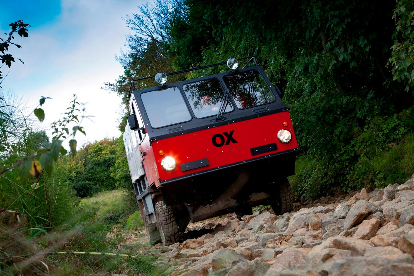 The Ox flatpacktruck is built to carry 1,900 kg (4,200 lb) and seat up to 13 people