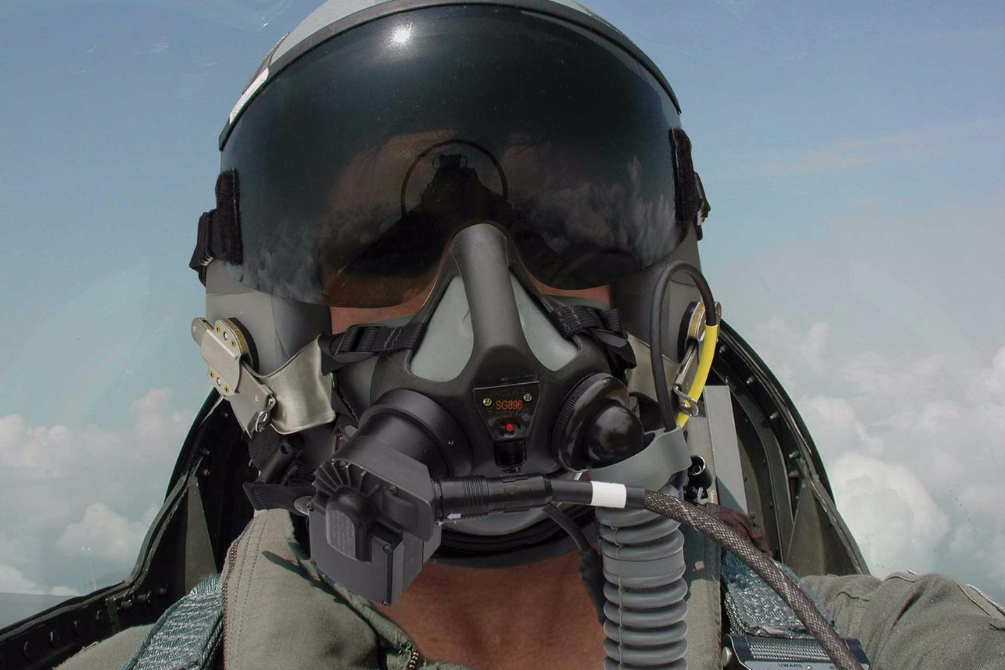 Cobham'sAMPSS 2.6is a breathing sensor suite that measures the level and purity of oxygen that the pilot inhales and exhales