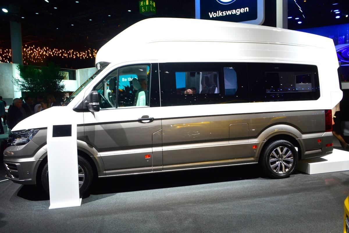 Seeing the VW California XXL concept in person made us even more curious about why Volkswagen chose to use a shorter wheelbase Crafter and extend out the bodywork up top – it's not exactly a looker
