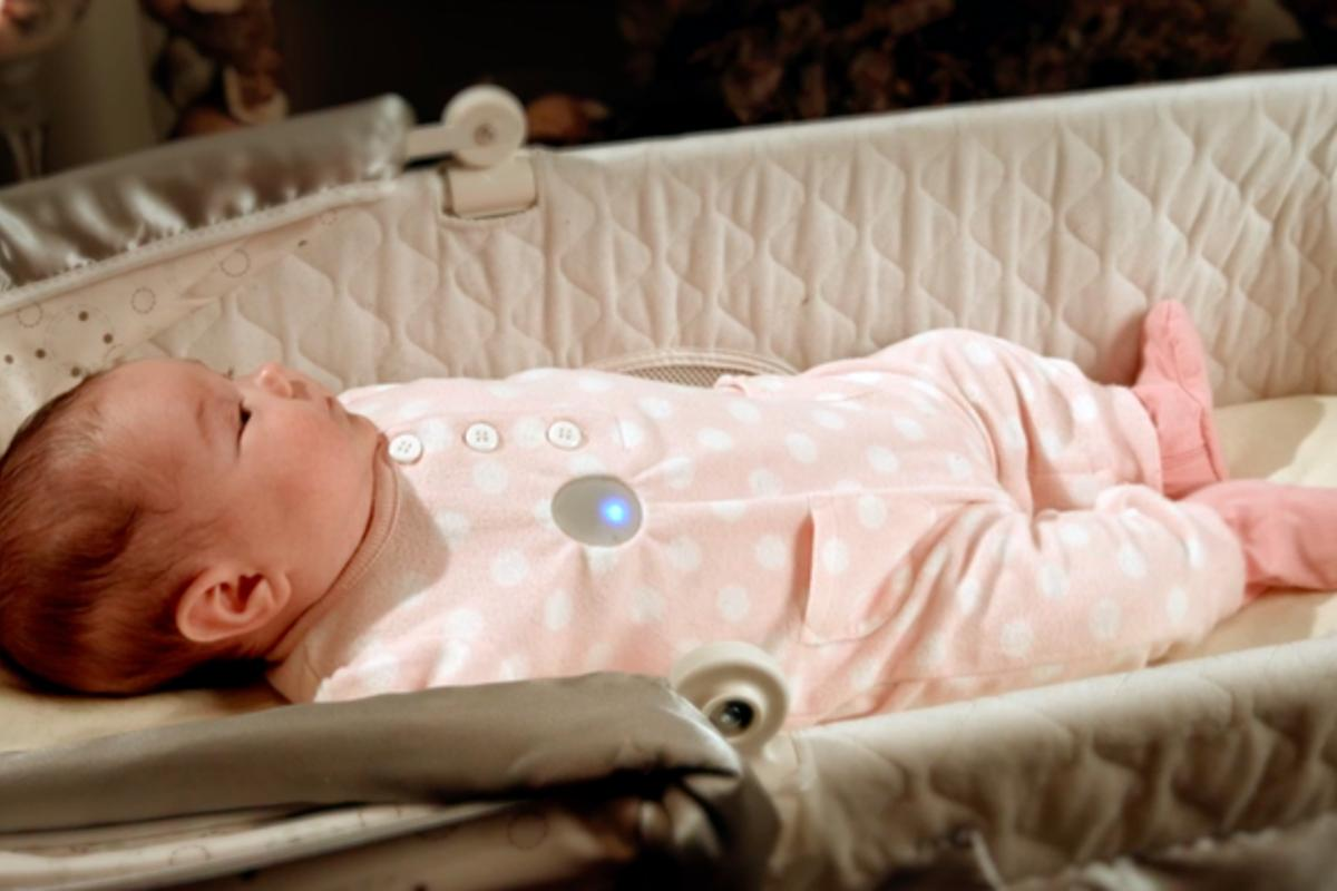 Monbaby can be attached to any item of clothing to monitor and provide analysis on your baby's sleeping patterns