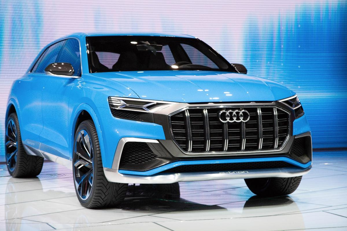 TheAudi Q8 concept hasvertical stripes on its huge grille that give it aRichard Kiel as Jaws motif