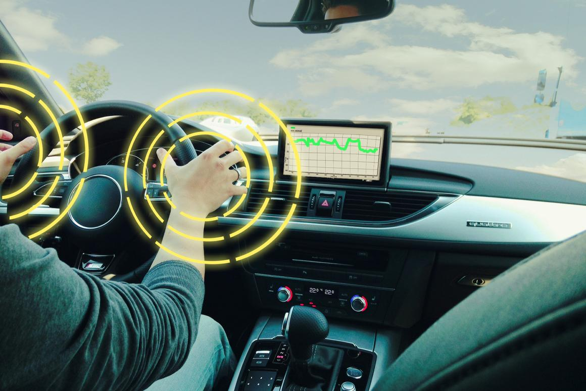 The system lets drivers know when their grip lessens or their hands stop moving on the wheel
