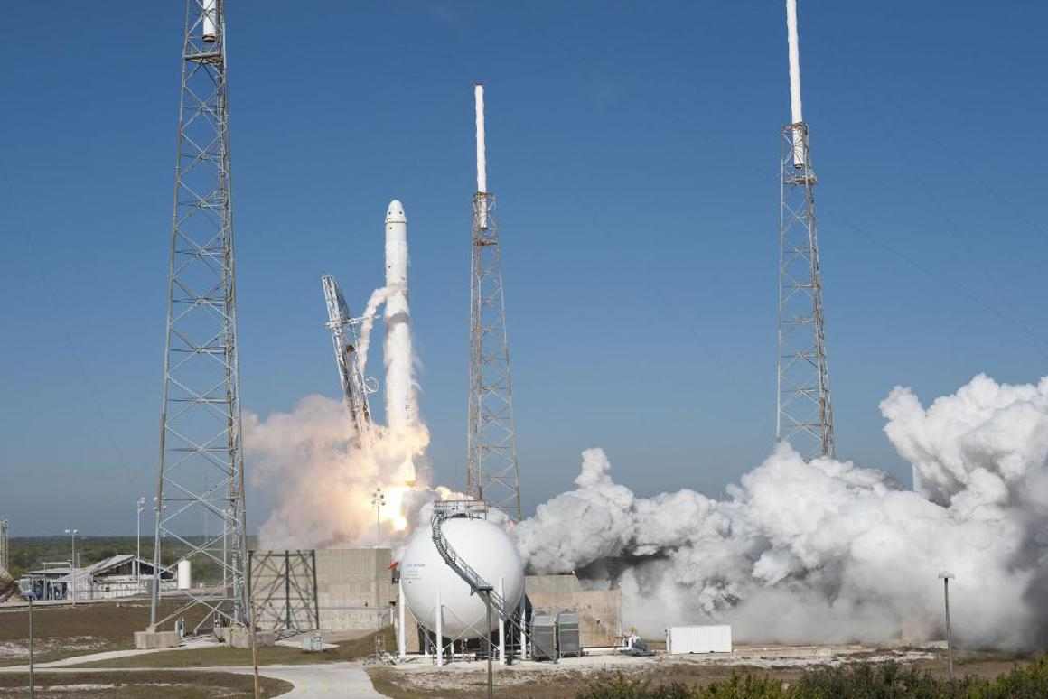 SpaceX's Falcon 9 rocket and Dragon spacecraft lift off (Image: NASA/Tony Gray and Kevin O'Connell)