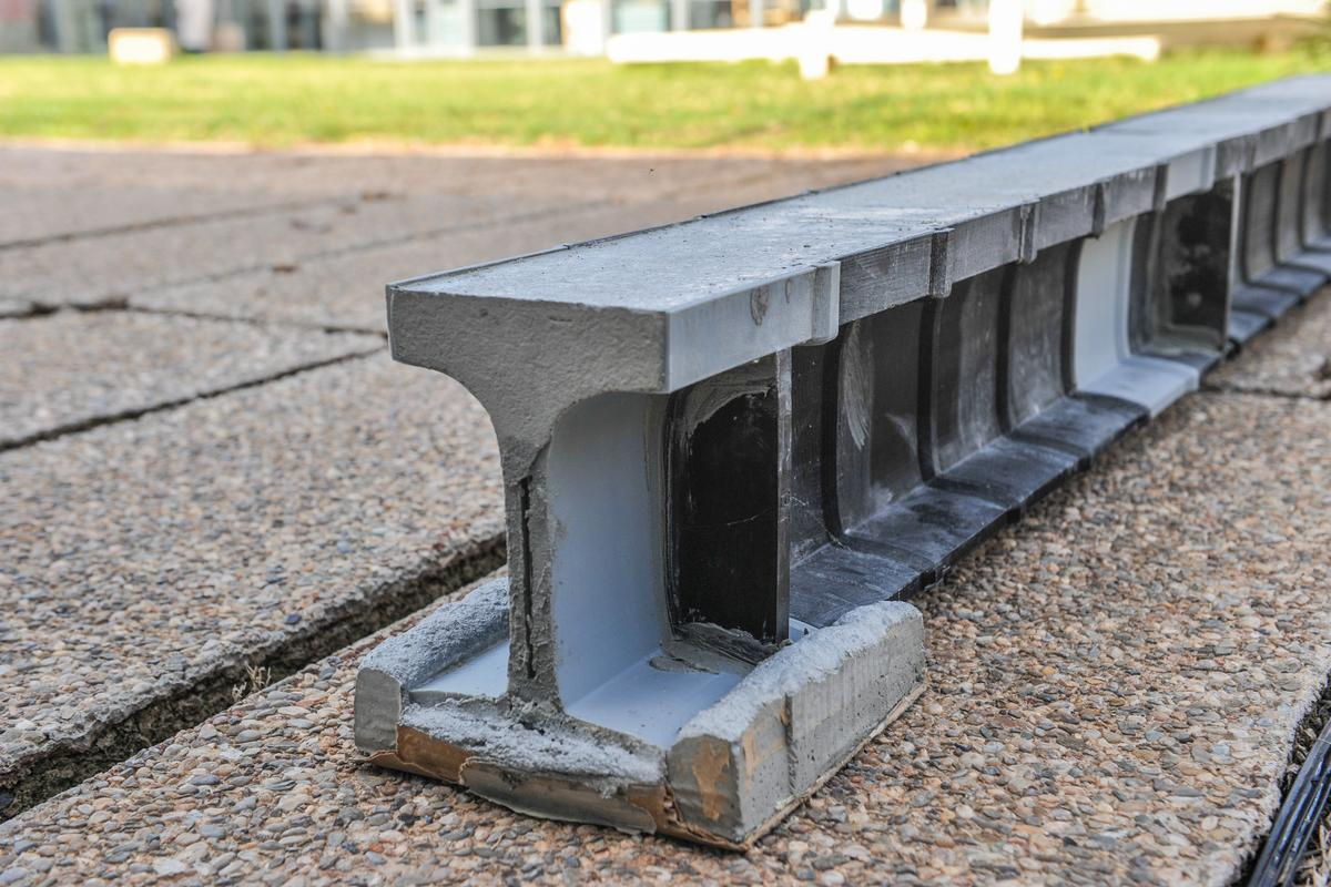 According to research team behind them, the new 3D-printed beams weigh up to 80 percent less than standard concrete beams