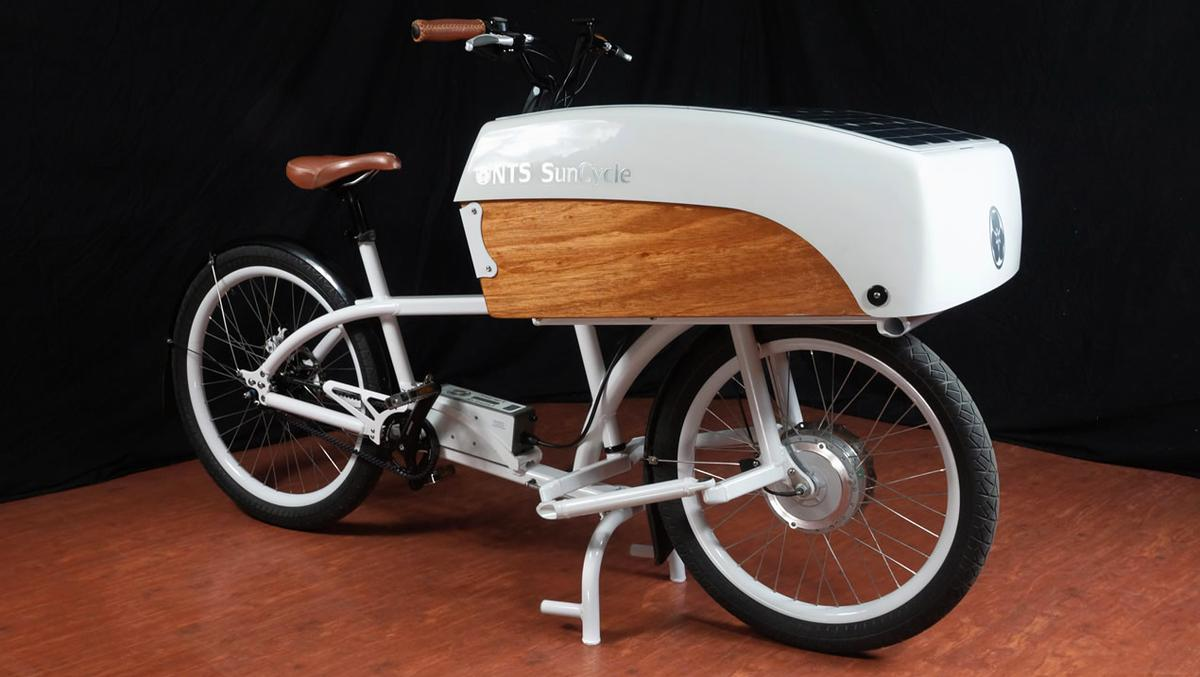 The bicycle itself tips the scales at 68 lb (31 kg)