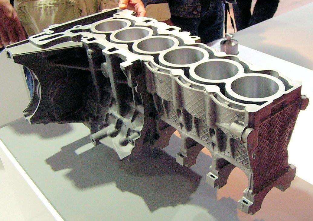 BMW R6 Inline-6 magnesium-aluminum engine block (Photo: 160sx(talk) via Wikipedia)