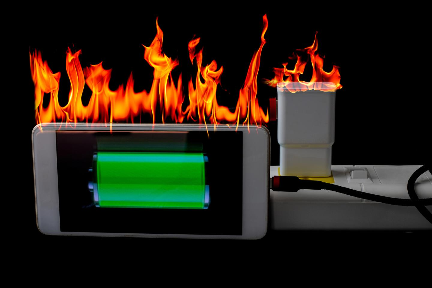 A layer of graphene foam could prevent electronics from overheating or freezing