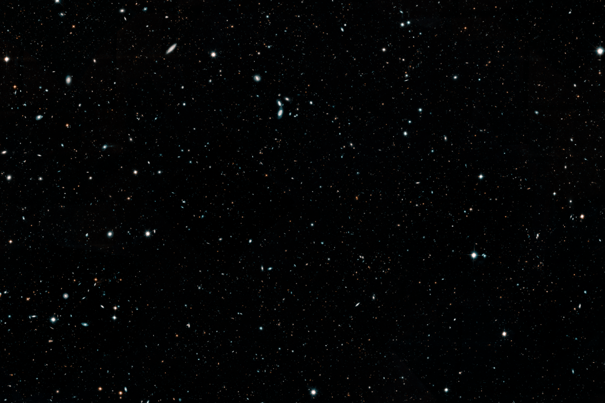 The Hubble Legacy Field contains over 265,000 galaxies. Credit: NASA, ESA, G. Illingworth and D. Magee (University of California, Santa Cruz), K. Whitaker (University of Connecticut), R. Bouwens (Leiden University), P. Oesch (University of Geneva,) and the Hubble Legacy Field team