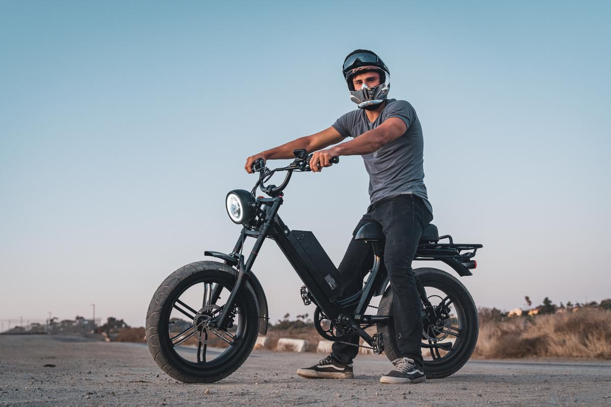 The Scorpion is a super-practical urban getabout that looks like it can play in the dirt