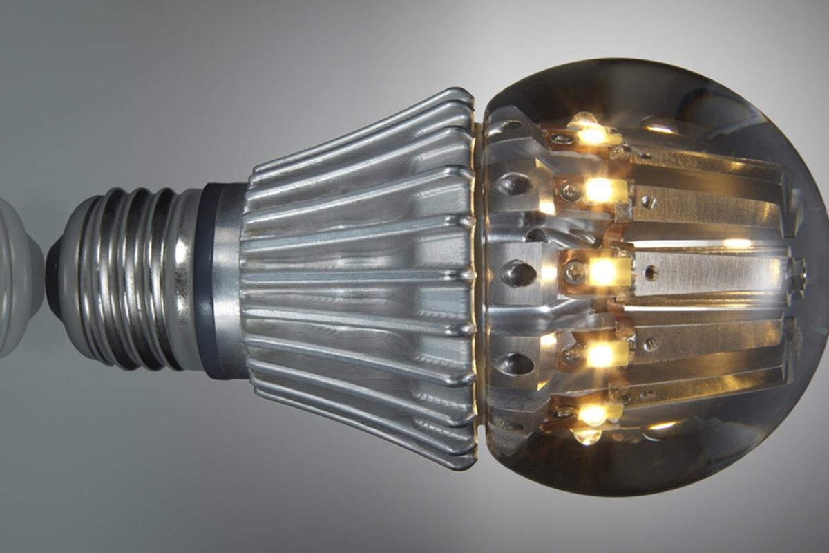 Switch Lighting's 100 watt-equivalent LED bulb