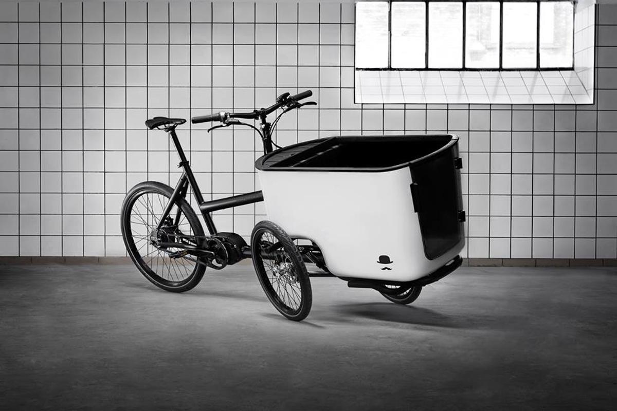 The Mk1 cargo trike leans like a bike
