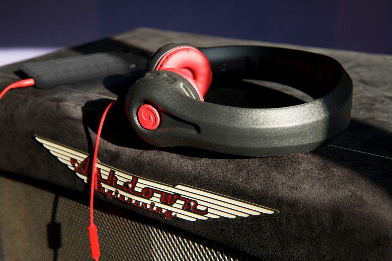 HeadFoams Pro headphones fit teenagers and adults (Photo: Thomas Libis)