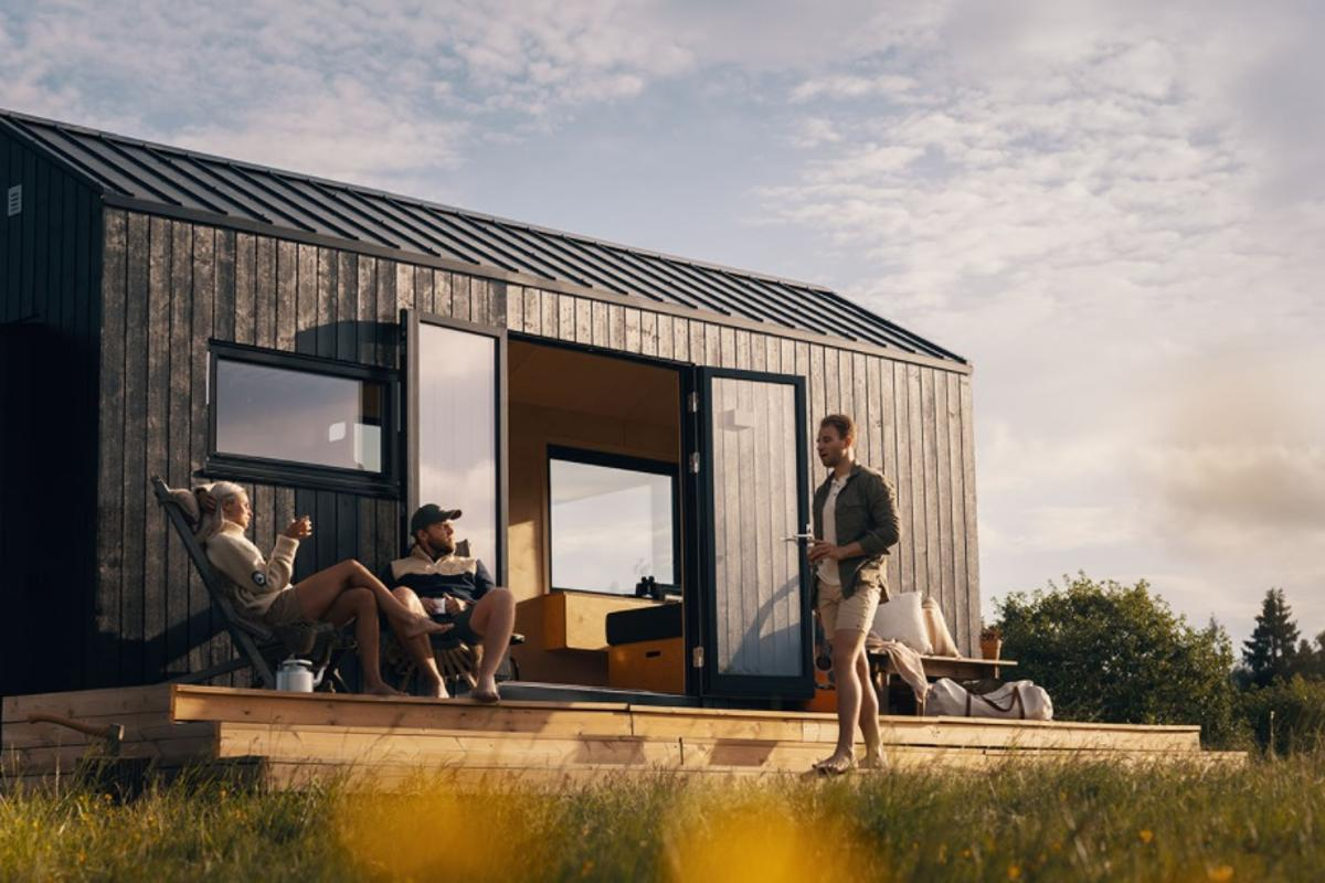 Norwegian architectural studio Norske Mikrohus has recently launched its latest model named Rast