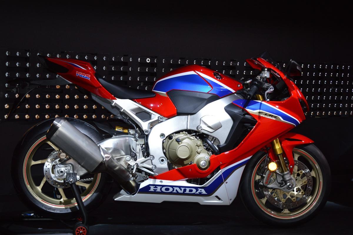 Kelebihan Kekurangan Honda 1000Rr Review