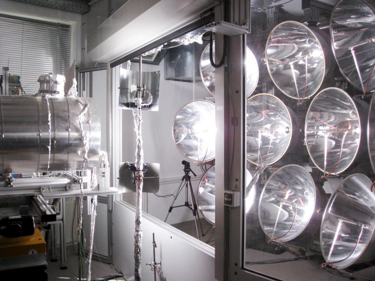 Simulated suns heated up the prototype CONTISOL reactor, which may eventually be used to produce hydrogen fuel