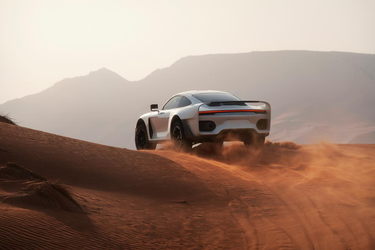 Take one Porsche 911 Turbo S, and beef the whole thing up from stem to stern for off-road dune blasting, and you've got a Marc Phillip Gemballa Martien