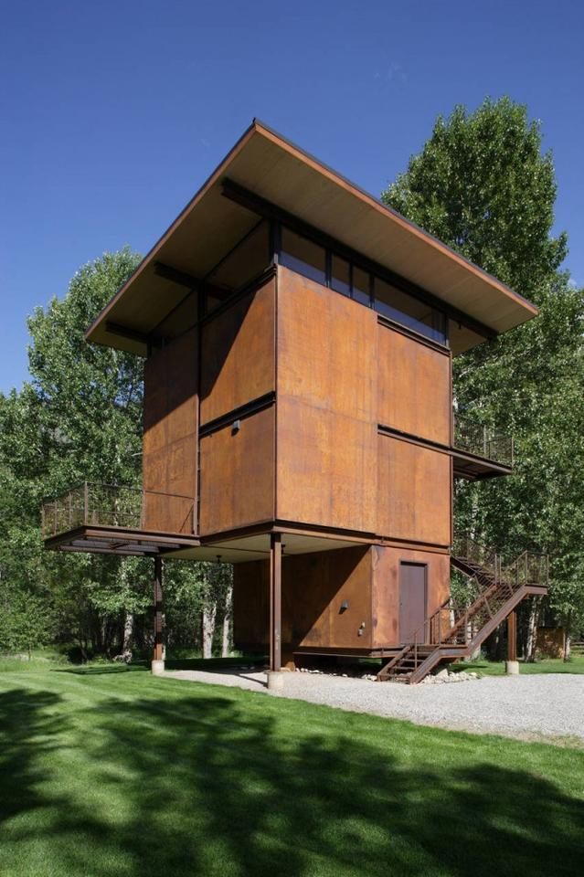 The Delta Shelter with its protective shutters closed (Photo: Olson Kundig Architects/Tim Bies)