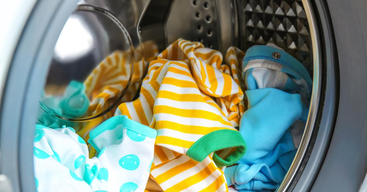 Study tallies up the plastic fibers shed globally through laundry