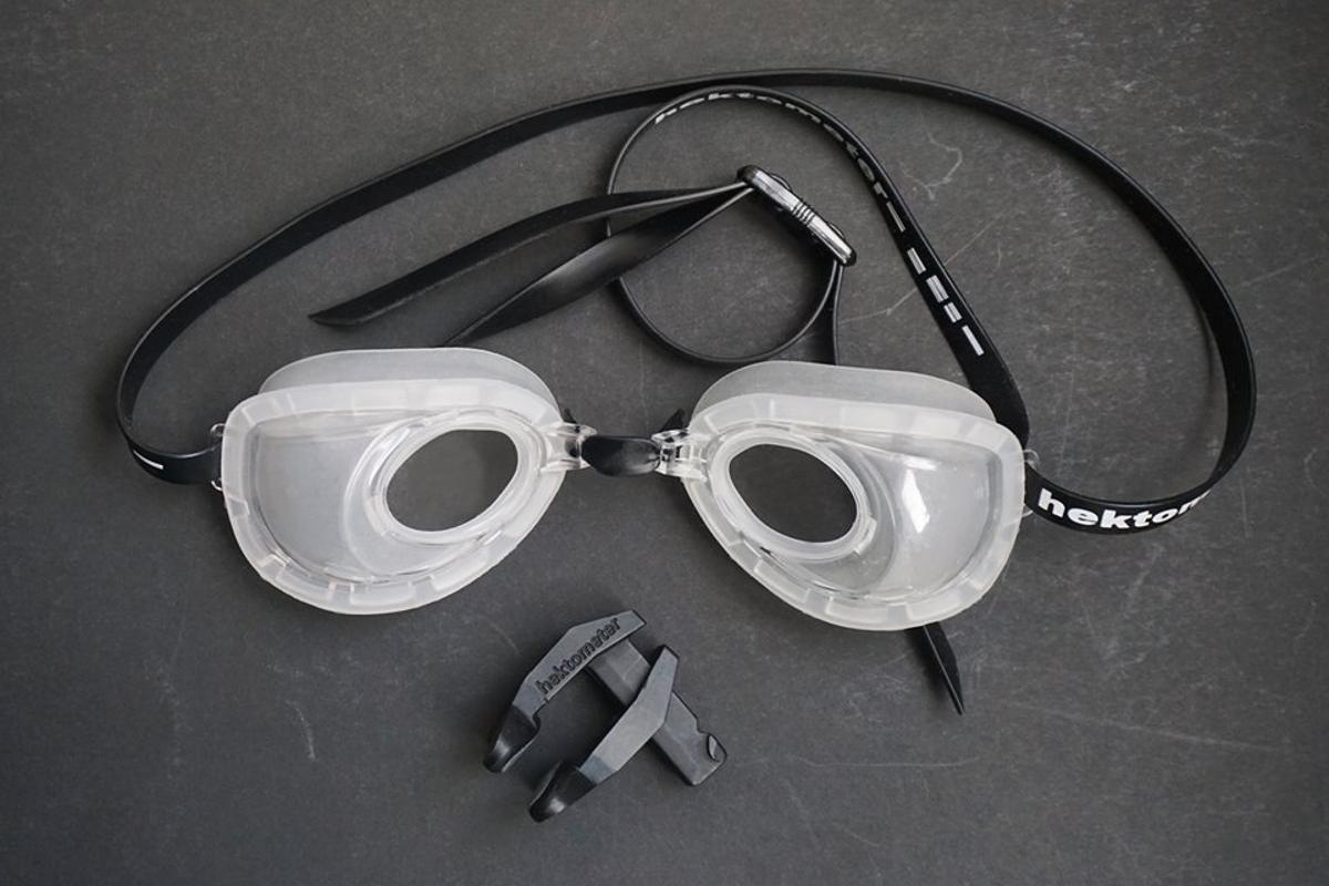 Hektometer goggles come with a noseclip – something that can't be used if wearing a mask