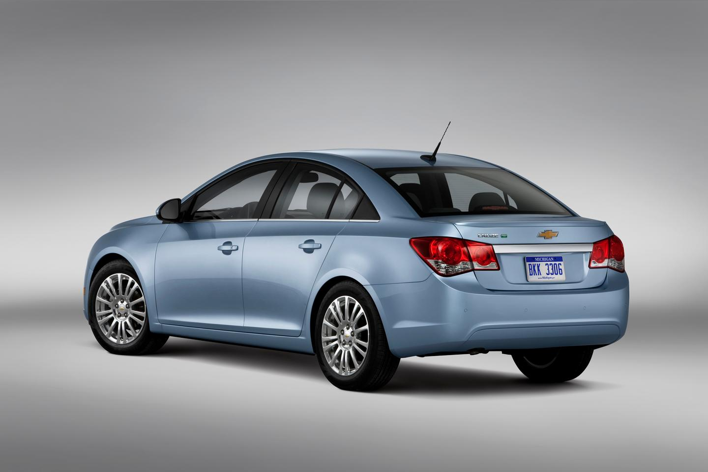 Chevrolet's non-hybrid Cruze Eco promises 40mpg highway, comparable to the hybrid Honda Insight's 43mpg