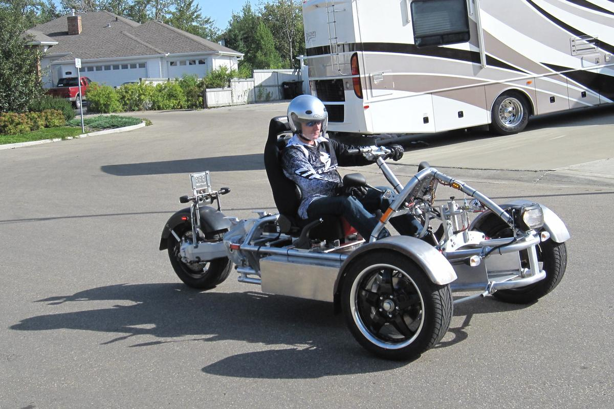 The Lithium Hawk three-wheeled homebuilt electric vehicle (Photo: Nap Pepin)