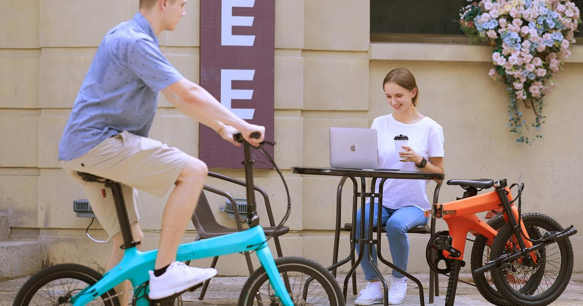Carbon fiber folding ebike designed to be an easy between-ride carry