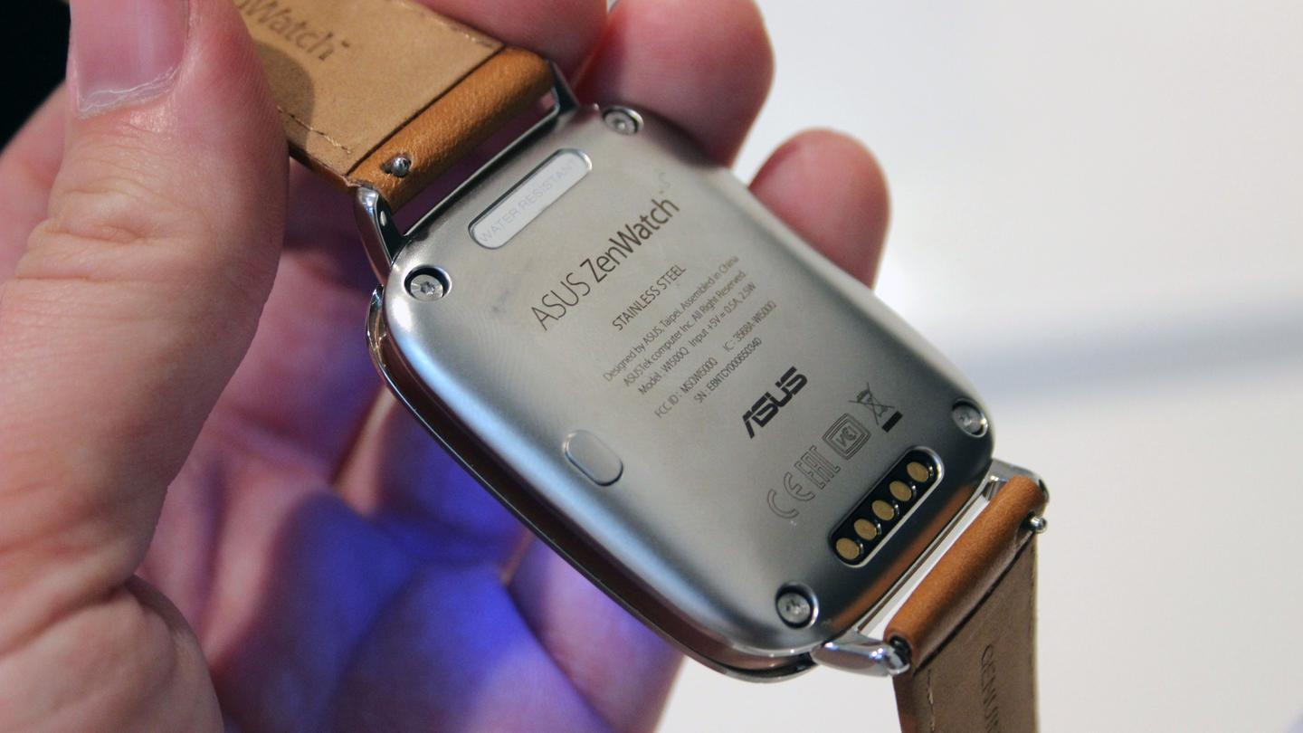 The device charges using a cradle similar to the LG G Watch (Photo: Chris Wood/Gizmag.com)