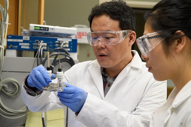 Professor Min-Kyu Son led a team of WSU researchers in coming up with a new lithium battery design