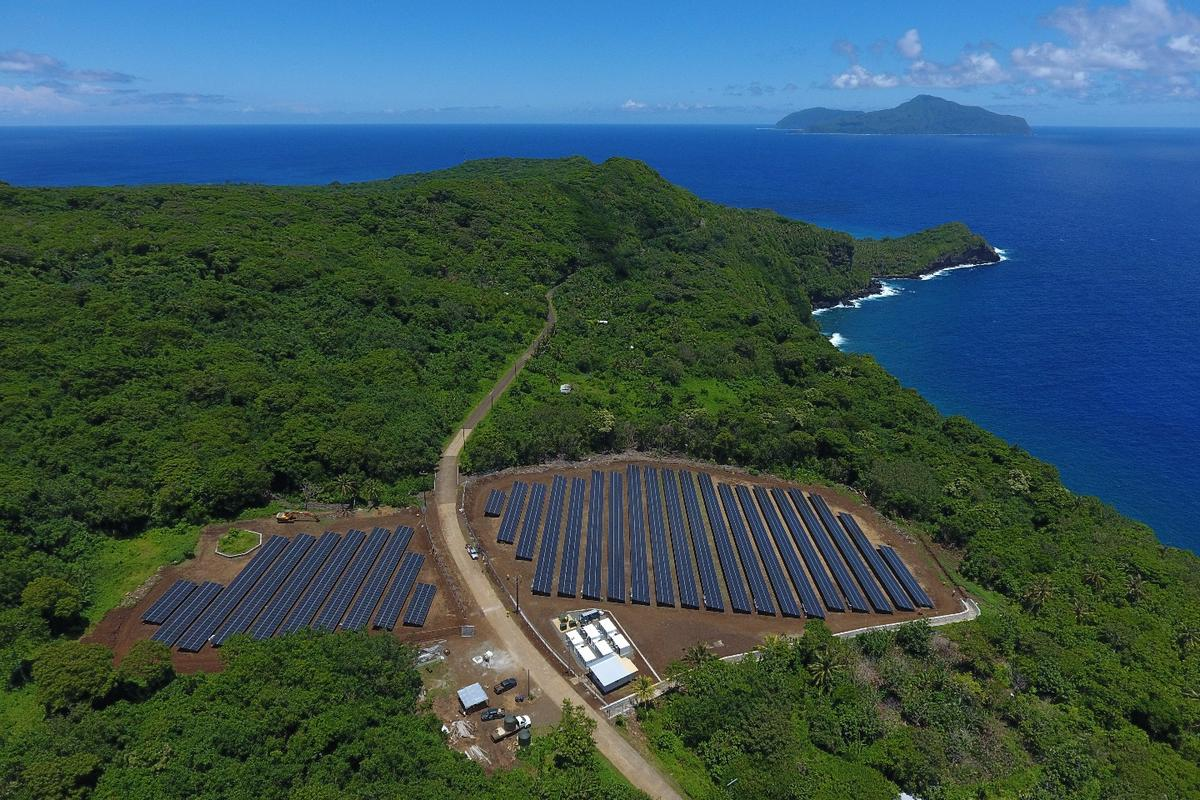 The SolarCity microgrid on Ta'u includes a solar array with an output of 1.4 MW