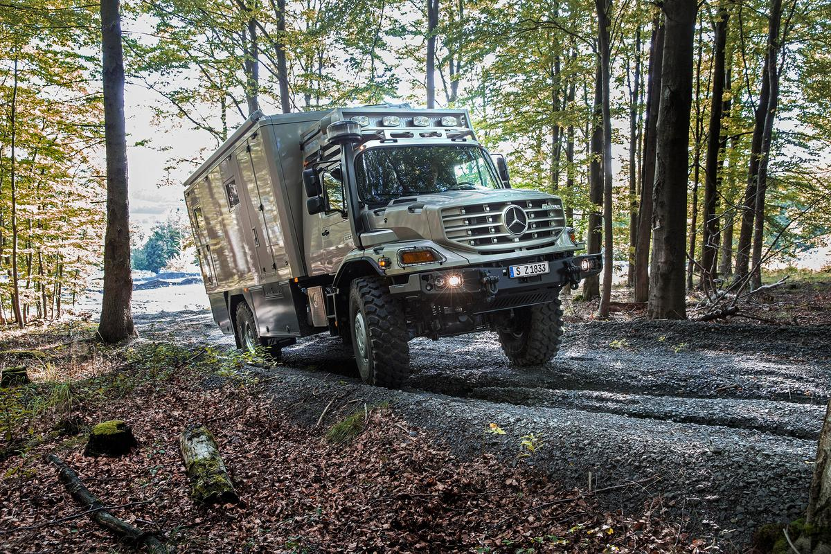 Serious off-roading: Mercedes-Benz Zetros with body from specialist manufacturer Hartmann Spezialkarosserien