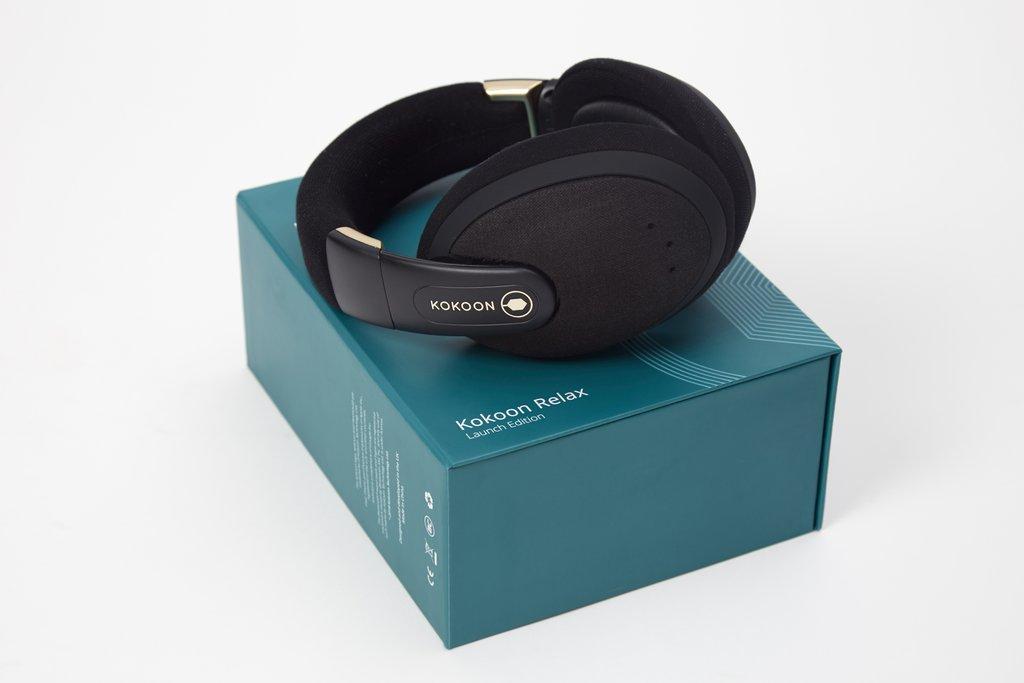 The Kokoon headphones come in black or gray