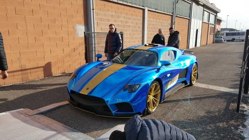 Using its logo as inspiration, Mazzanti gives its latest Evantra an electrifying look