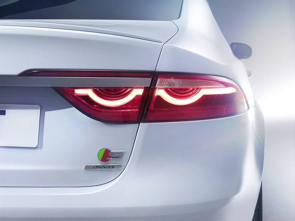 The 2016 Jaguar XF rear lamp detail