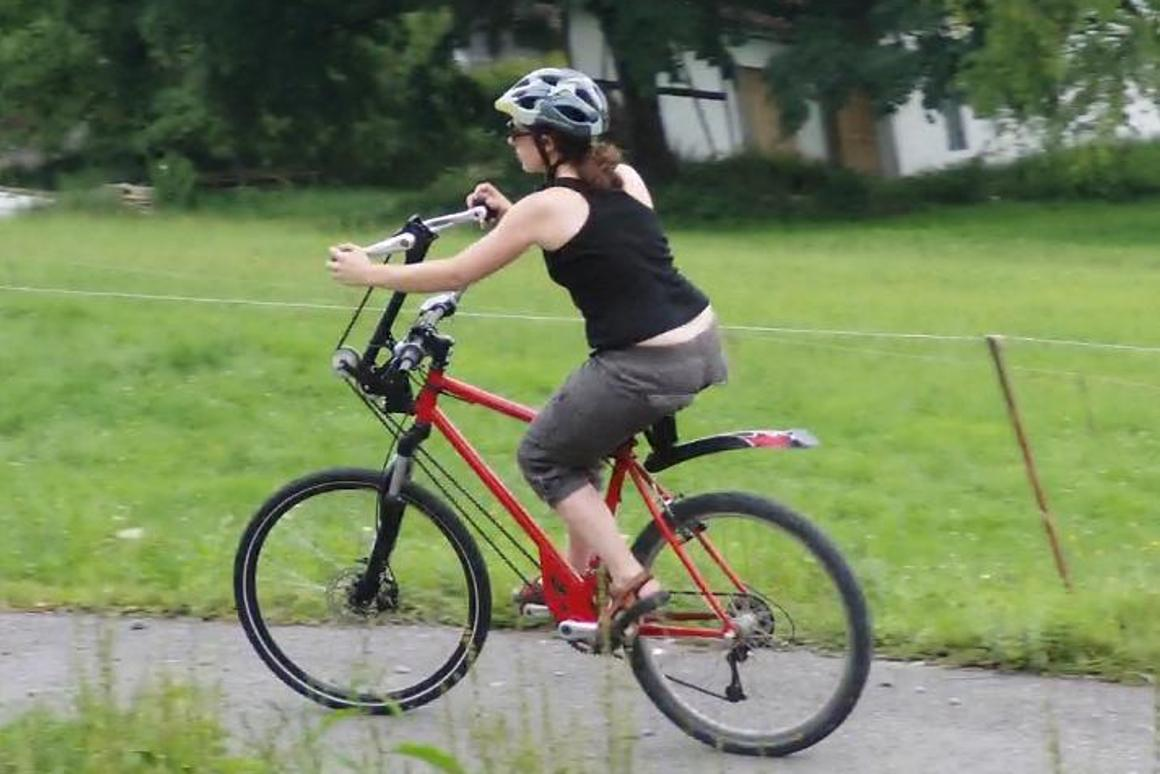 Raxibo Hand-Tret-Velo gives you a full body workout