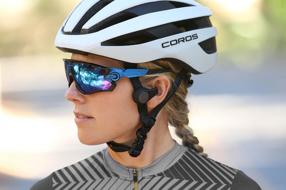 The Road version of the Coros SafeSound helmet