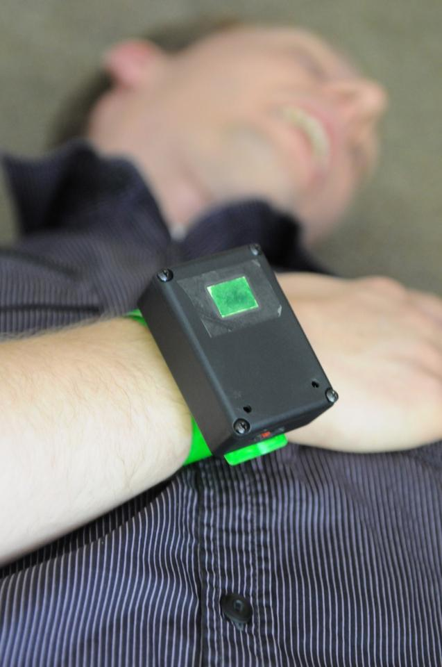 An eTriage armband, that transmits a patient's location and condition