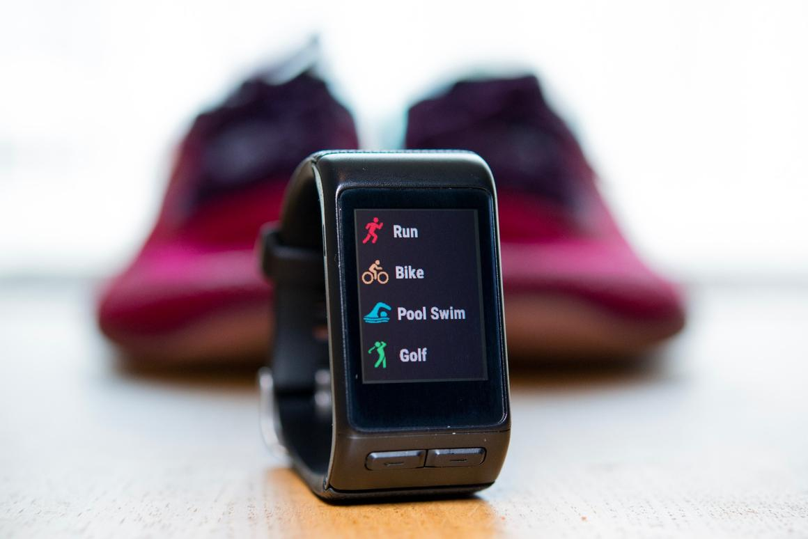 We review theGamin Vivoactive HR GPS sports-watch