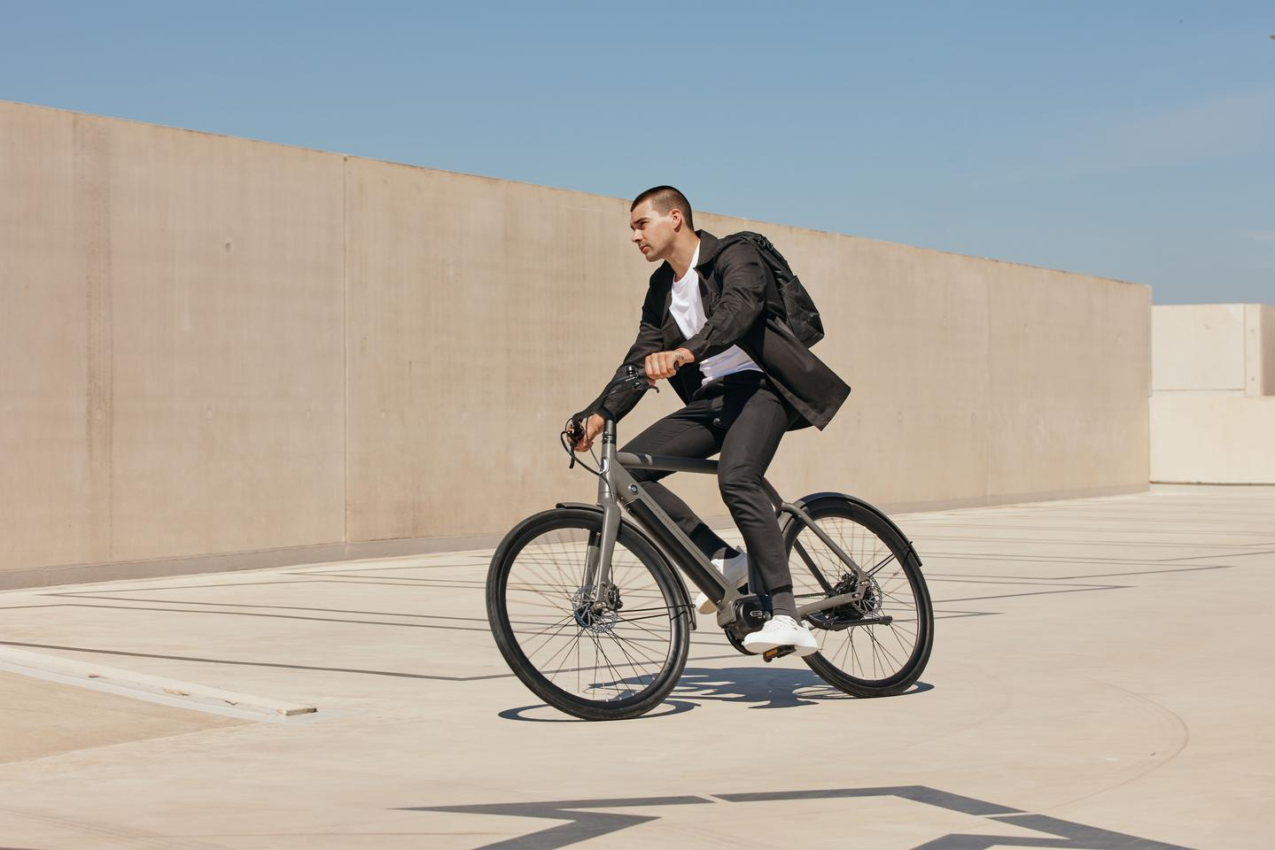 Veloretti enters the ebike space with the retro Ivy and modern Ace (pictured)