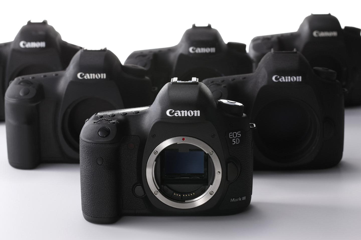 The Canon EOS 5D Mark III firmware update will allow the camera to produce uncompressed HDMI output