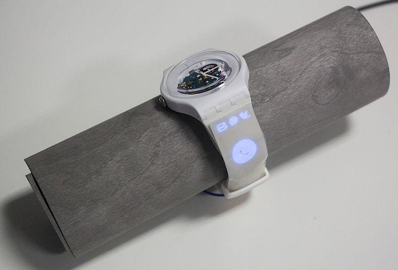 "A printed display makes a dumb watch ""smart"" (Image credit: Saarland University)"