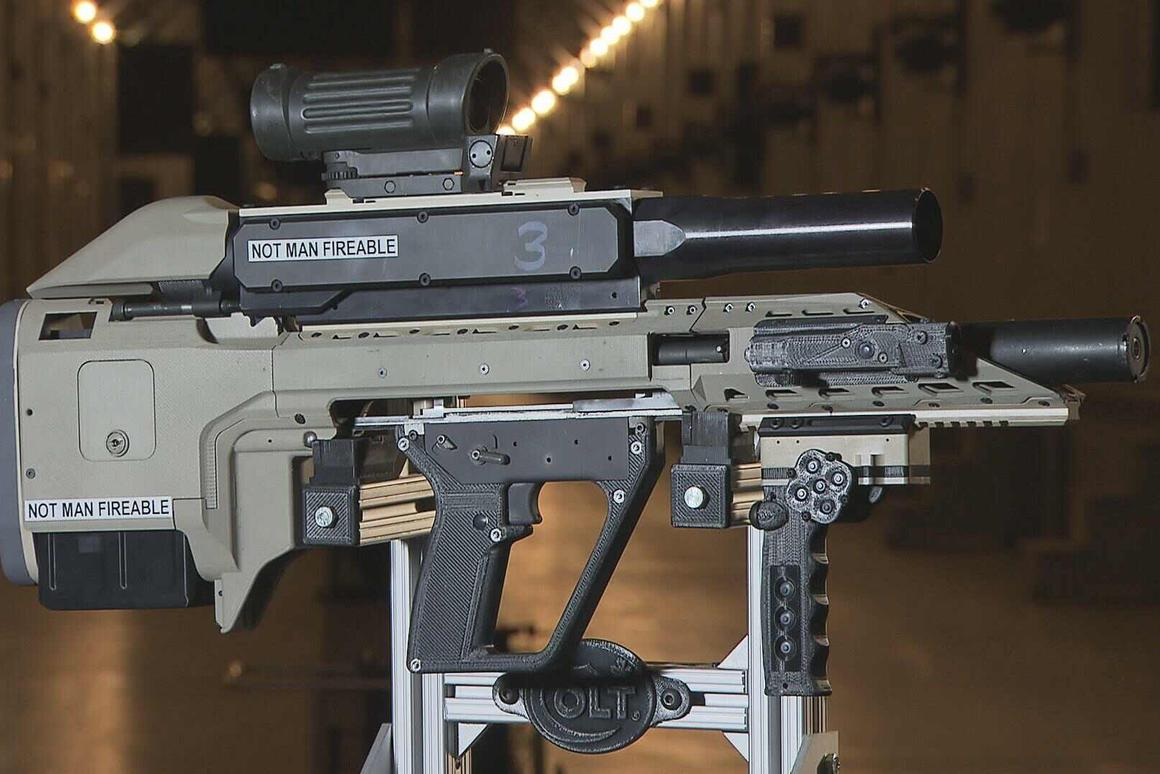 A new smart weapon being developed for the Canadian Armed Forces bristles with technology (Photo: Jocelyn Tessier, DRDC)