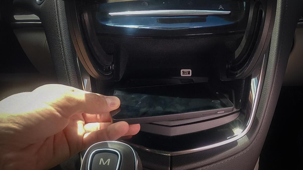 Cadillac is looking to clears the clutter by adding wireless charging to the 2015 ATS