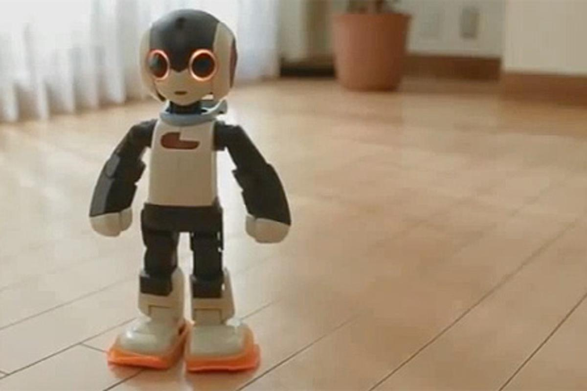 The complete Robi robot can be assembled from parts that come with each magazine issue