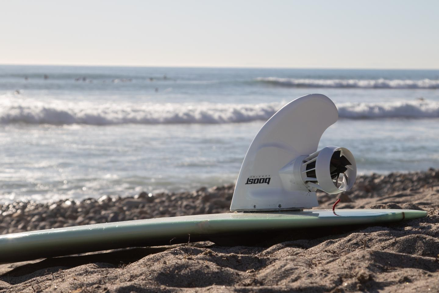 The Boost Surfing Fin takes users to a claimed top speed of 11 mph (18 km/h)