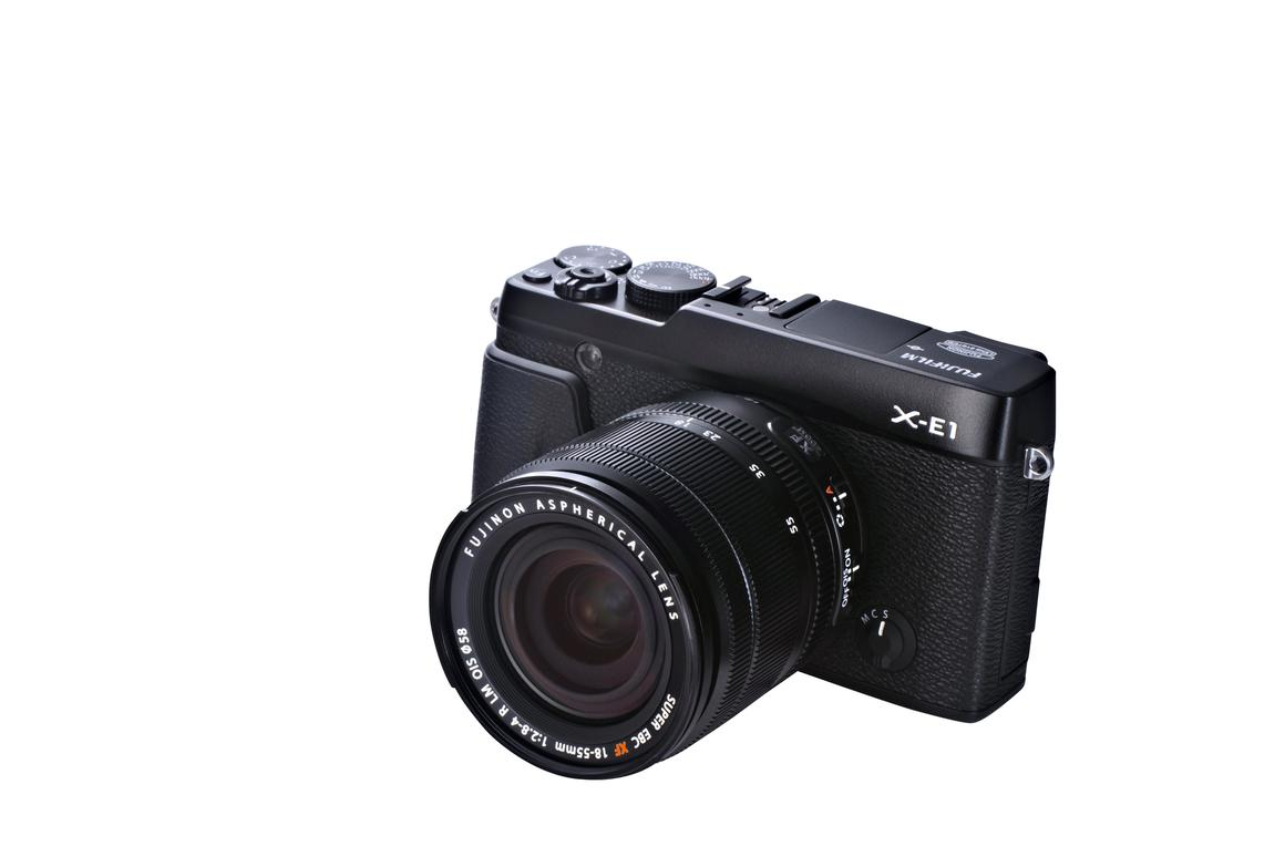 The Fujifilm X-E1 is a retro-styled 16-megapixel mirrorless interchangeable lens camera